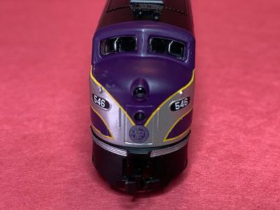 N Scale - Life-Like - 920-34073 - Locomotive, Diesel, EMD E8 - Atlantic Coast Line - 546