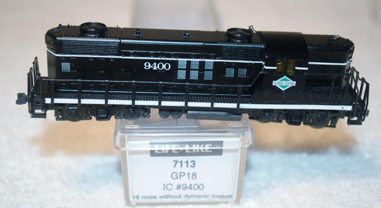 N Scale - Life-Like - 7113 - Locomotive, Diesel, EMD GP18 - Illinois Central - 9400
