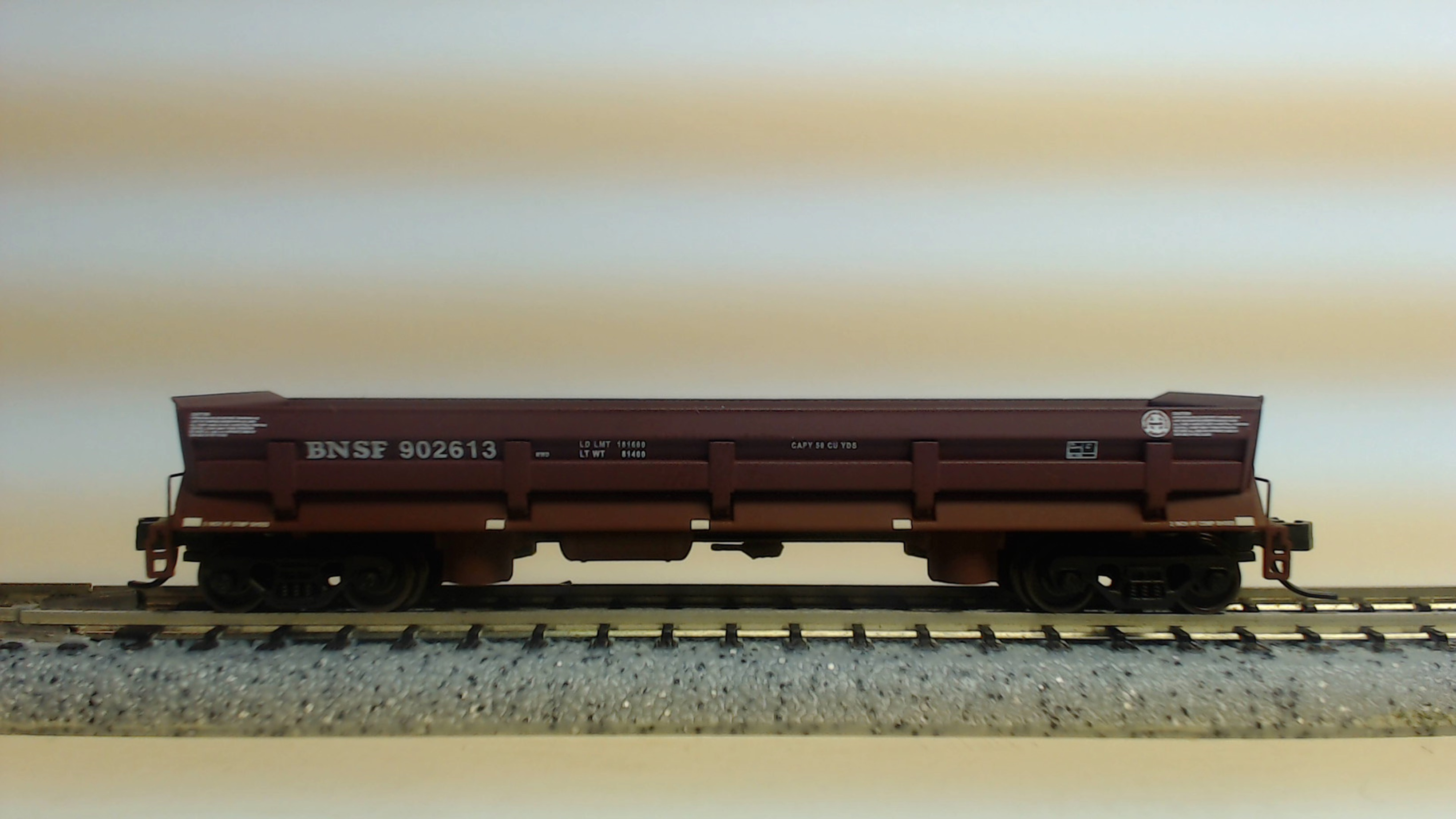 N Scale - Walthers - 932-38604B - Gondola, Difco Dump - Burlington Northern Santa Fe - 902613