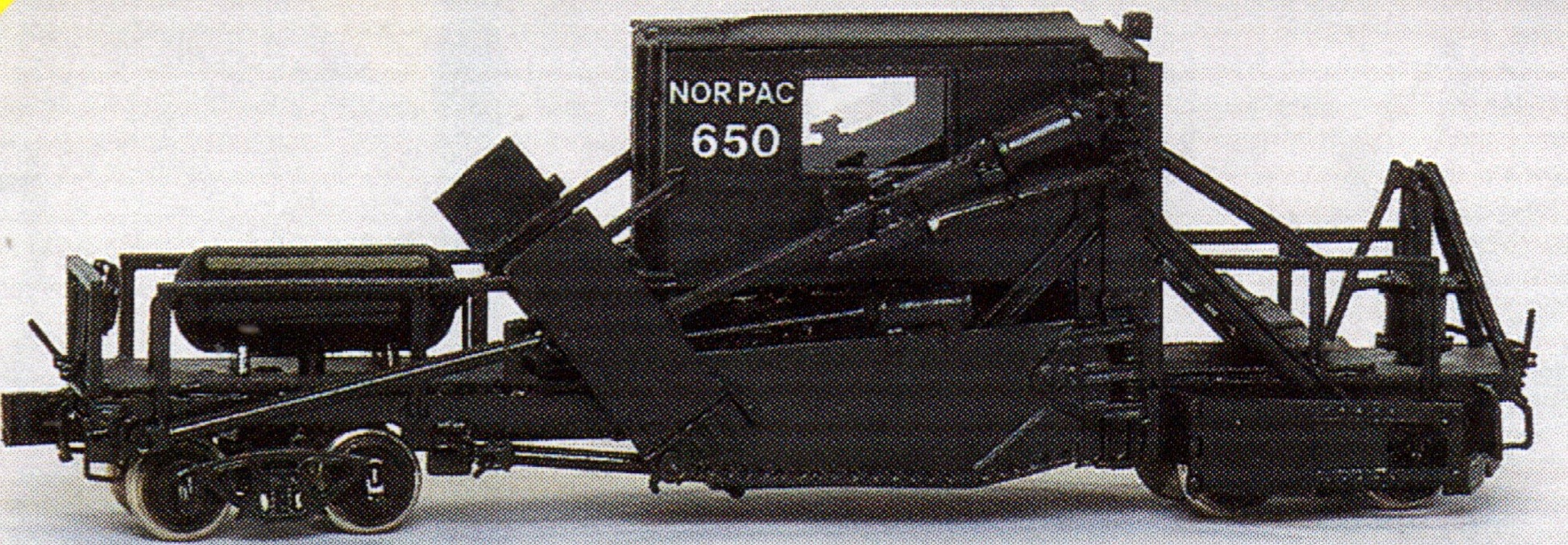 N Scale - Overland Models - 2804B - MOW, Jordan Spreader,Low Blade, Ballast - Northern Pacific - 650