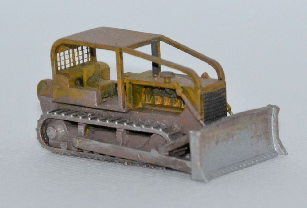 N Scale - Clever Creek Miniatures - CONSTRUCT-06 - Vehicle, Truck, Construction, Bulldozer - Undecorated - CAT D8H (46A)