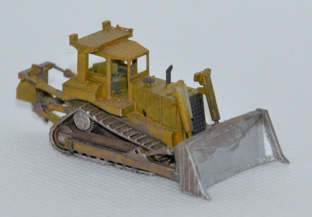 N Scale - Clever Creek Miniatures - CONSTRUCT-07 - Vehicle, Truck, Construction, Bulldozer - Undecorated - CAT D8N