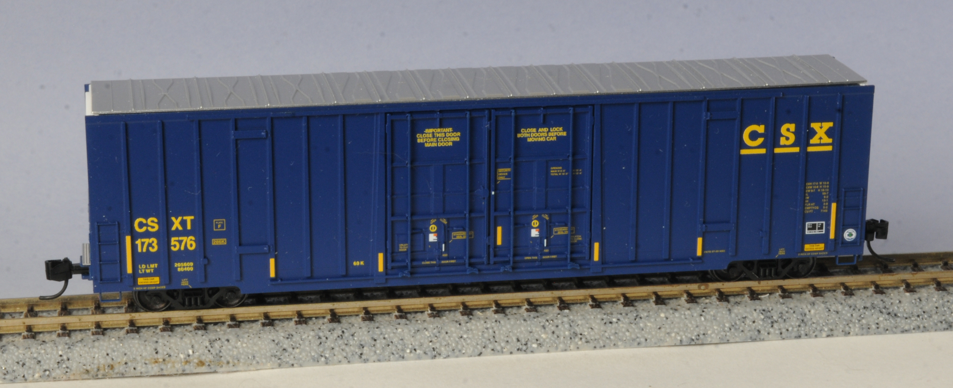 N Scale - Micro-Trains - 123 53 030 - Boxcar, 60 Foot, NSC Excess Height - CSX Transportation - 173576
