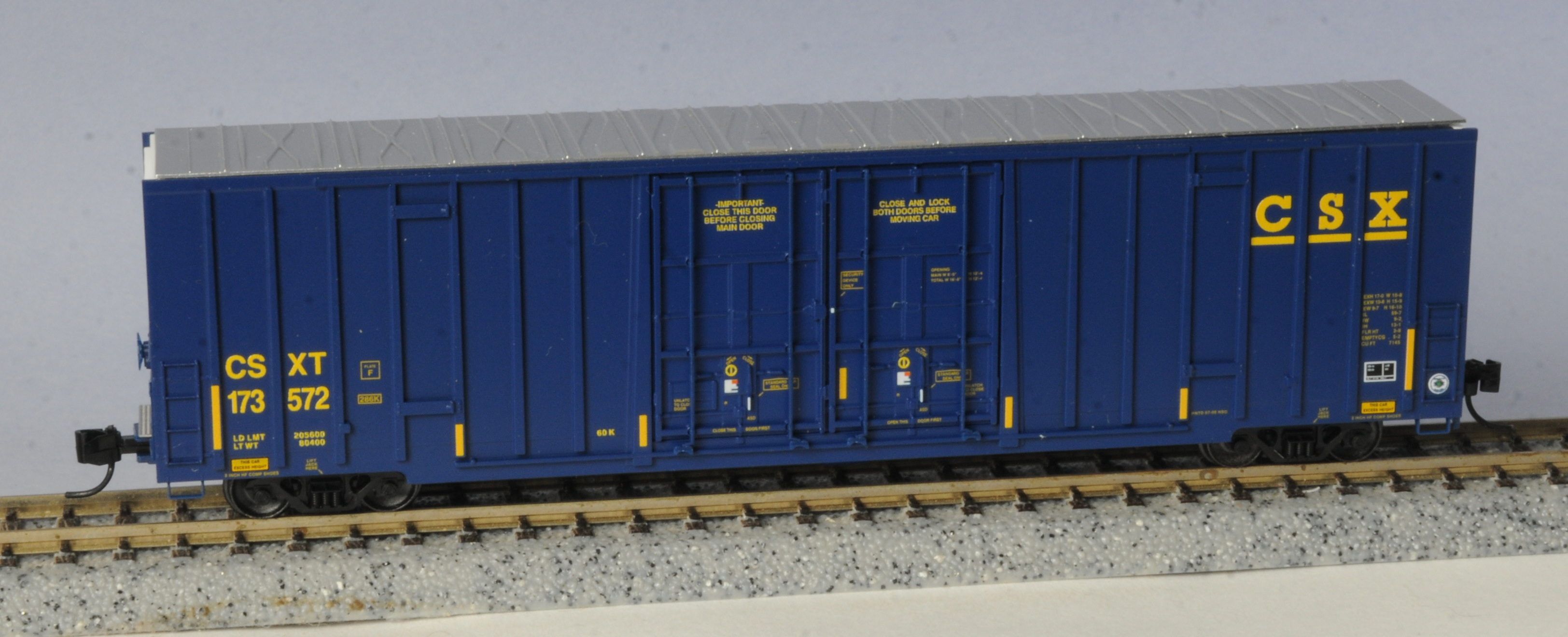 N Scale - Micro-Trains - 123 52 030 - Boxcar, 60 Foot, NSC Excess Height - CSX Transportation - 173572