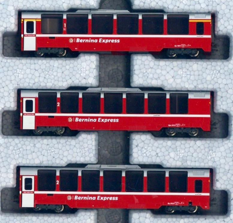 N Scale - Kato - 10-1655 - Passenger Train, European - Rhaetian Railway - 3-Pack