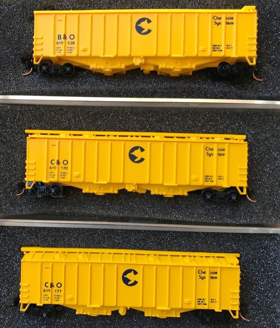 N Scale - Delaware Valley - A160-3 - Covered Hopper, 2-Bay, GATX Airslide 4180 - Chessie System - 3-pack