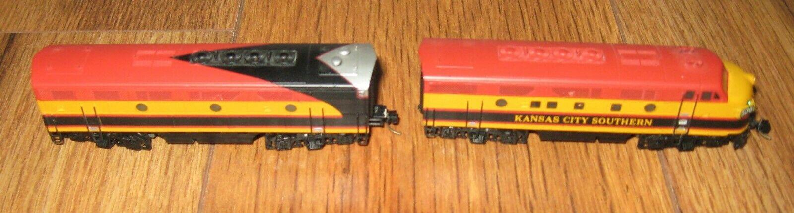 N Scale - Hallmark Models - 506 - Locomotive, Diesel, EMD F3 - Kansas City Southern - 506
