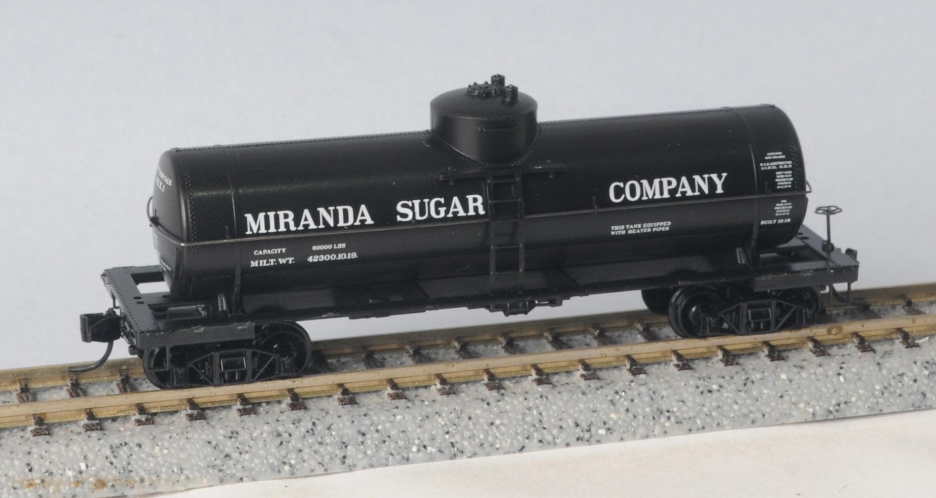 N Scale - Micro-Trains - 065 00 166 - Tank Car, Single Dome, 39 Foot - National Sugar Refining - 1