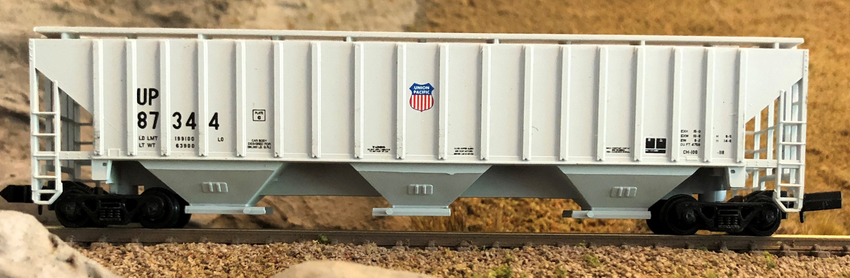 N Scale - Red Caboose - RM-15614-6 - Covered Hopper, 3-Bay, PS2-CD 4750 - Union Pacific - 87344