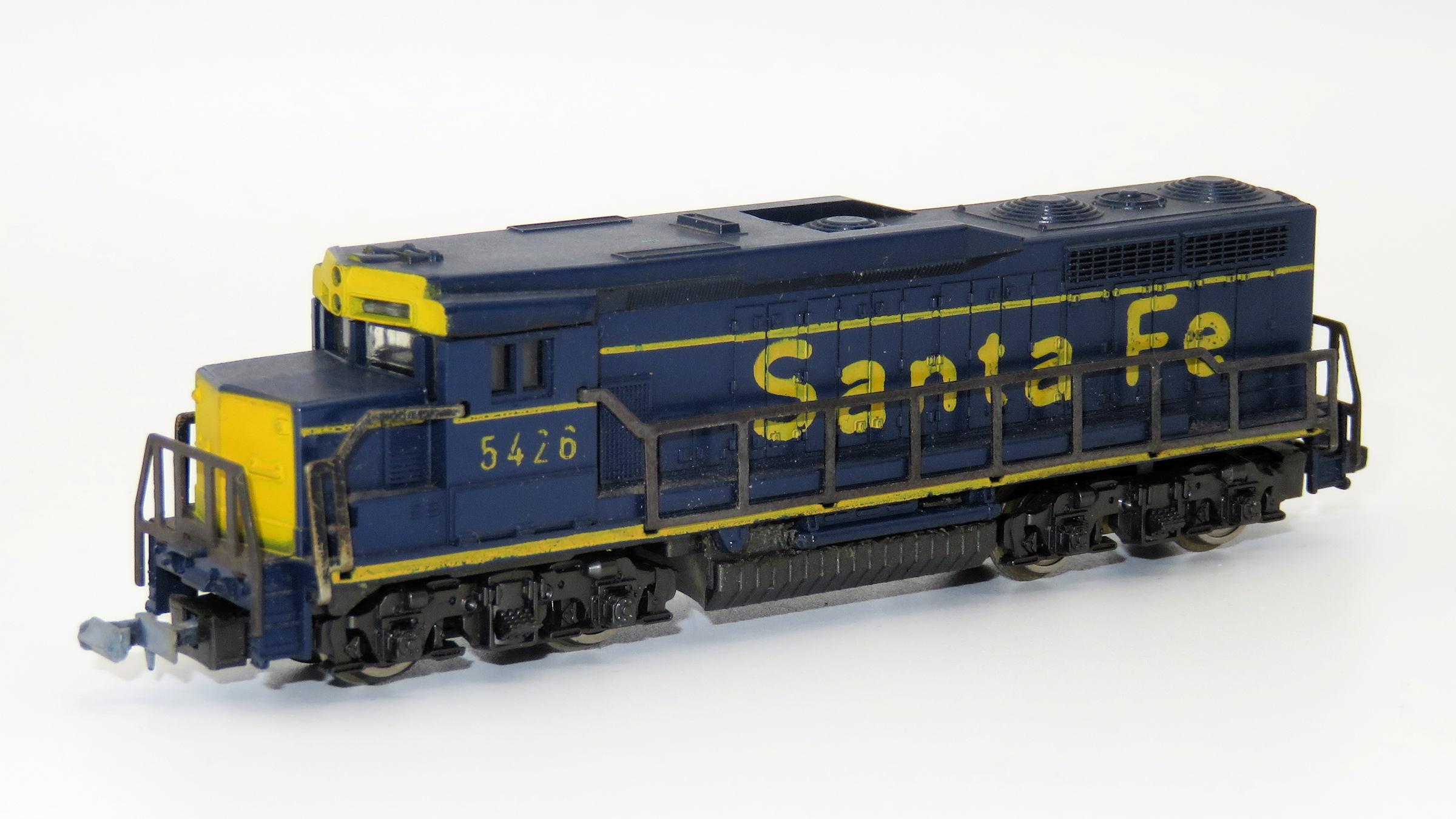 N Scale - Lima - 263 - Locomotive, Diesel, EMD GP30 - Santa Fe - 5426