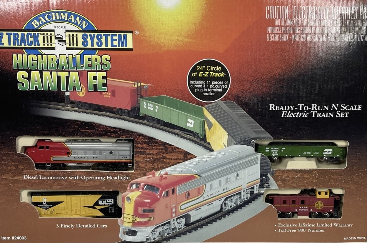 N Scale - Bachmann - 24003 - Freight Train, Diesel, North American, Transition Era - Santa Fe - Highballers Santa Fe