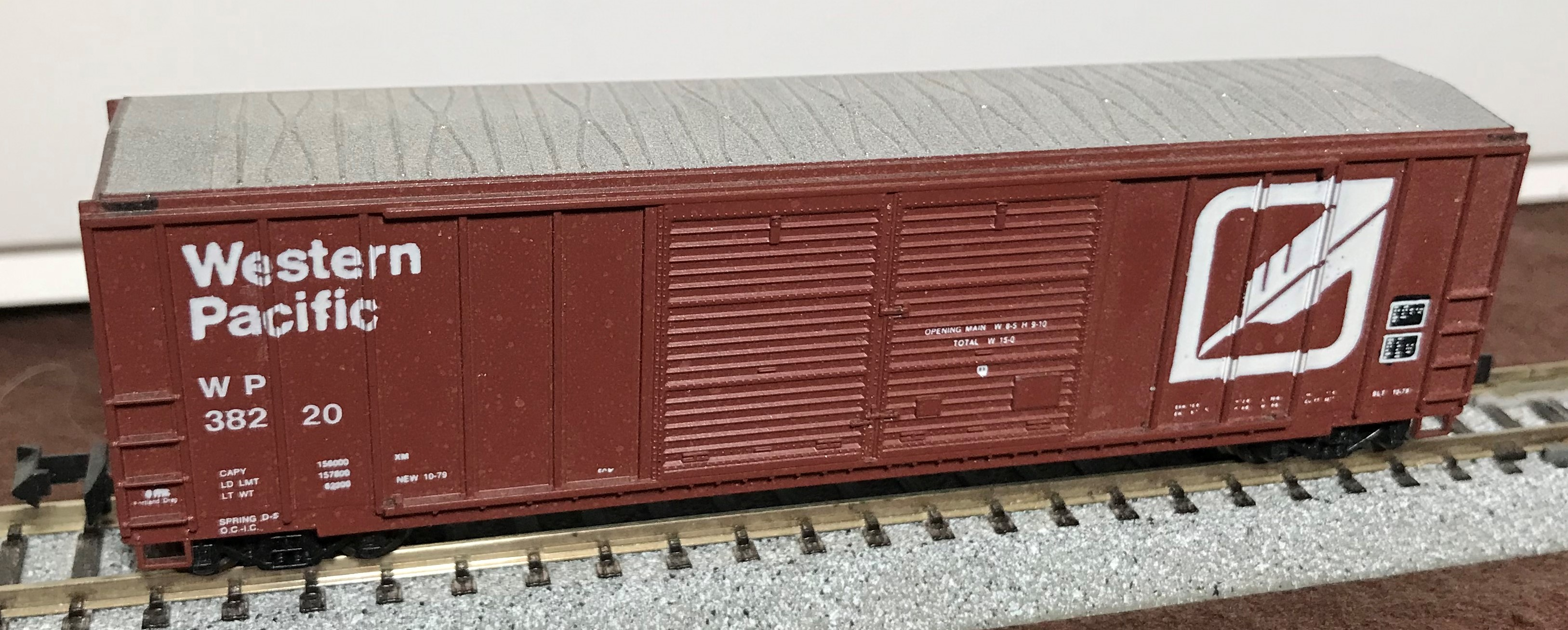 N Scale - Roundhouse - 8281 - Boxcar, 50 Foot, FMC, 5077 - Western Pacific - 38220