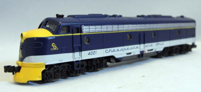 N Scale - Life-Like - 7205 - Locomotive, Diesel, EMD E8 - Chesapeake & Ohio - 4021