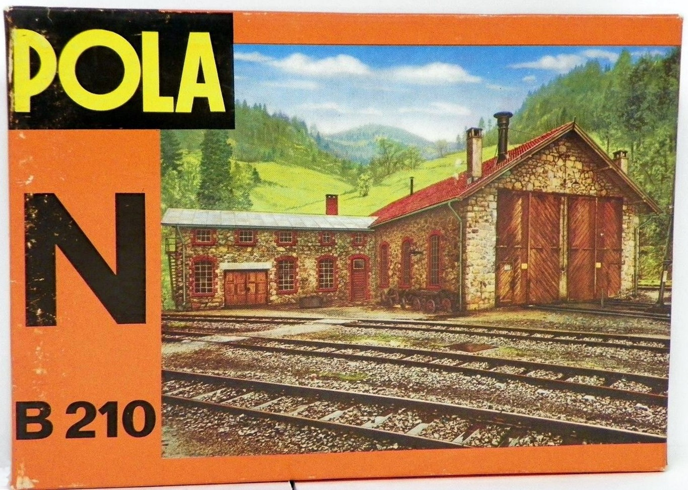 N Scale - Pola - 210 - Locomotive Shed - Railroad Structures - Two Stall Locomotive Shed