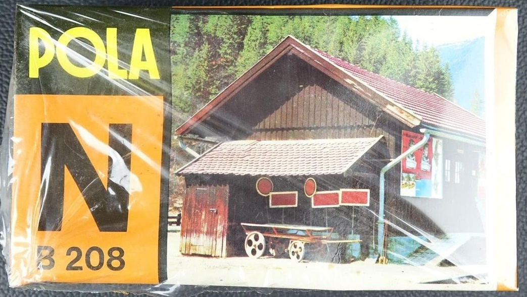 N Scale - Pola - 208 - Freight Shed - Railroad Structures - Small Freight Shed