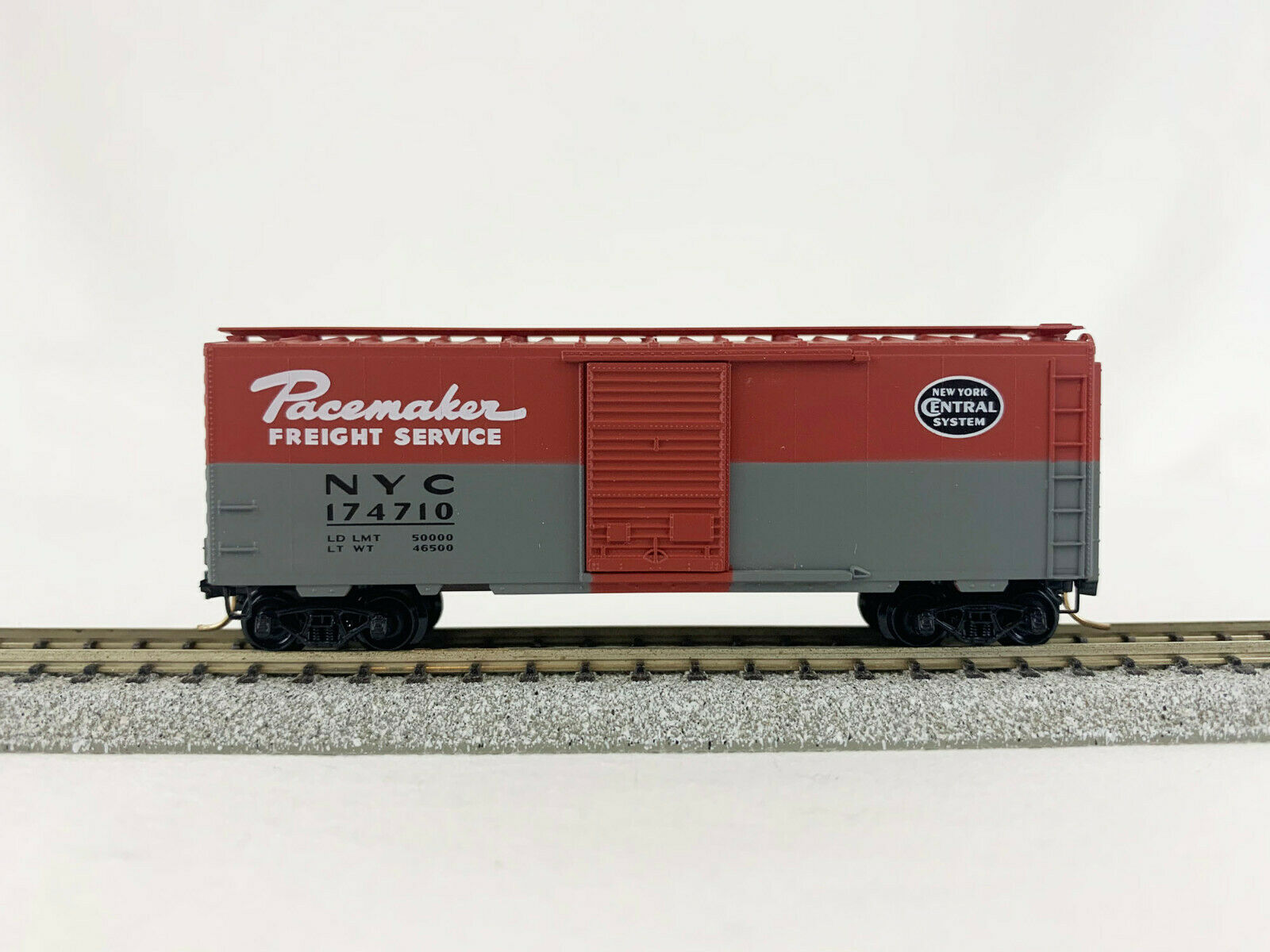 N Scale - Micro-Trains - 20240 - Boxcar, 40 Foot, PS-1 - New York Central - 174710