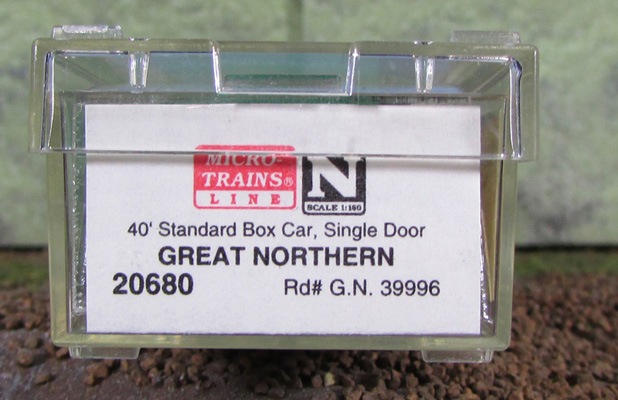 N Scale - Micro-Trains - 20680 - Boxcar, 40 Foot, PS-1 - Great Northern - 39996