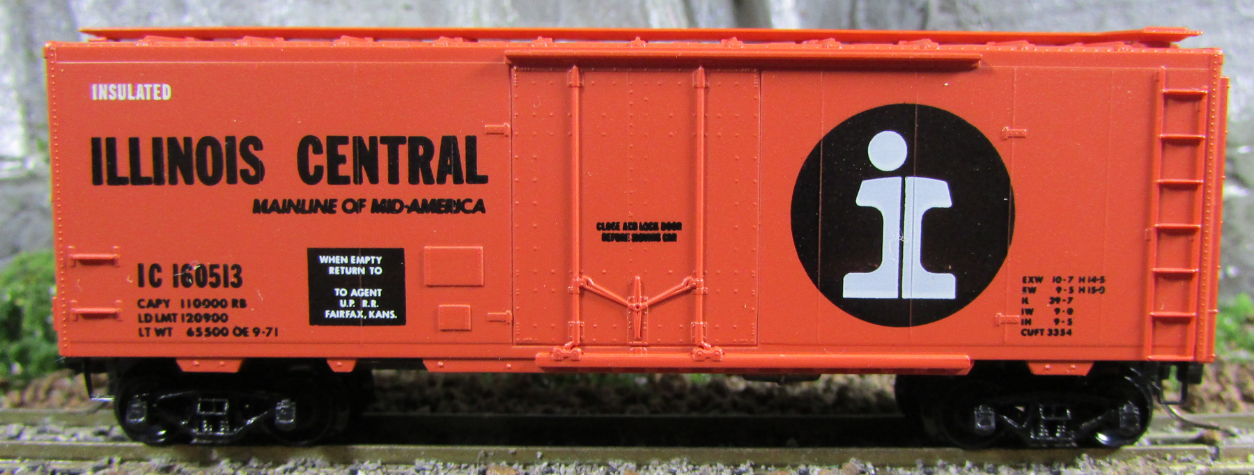 N Scale - Micro-Trains - 21010 - Boxcar, 40 Foot, Steel Plug Door - Illinois Central - 160513