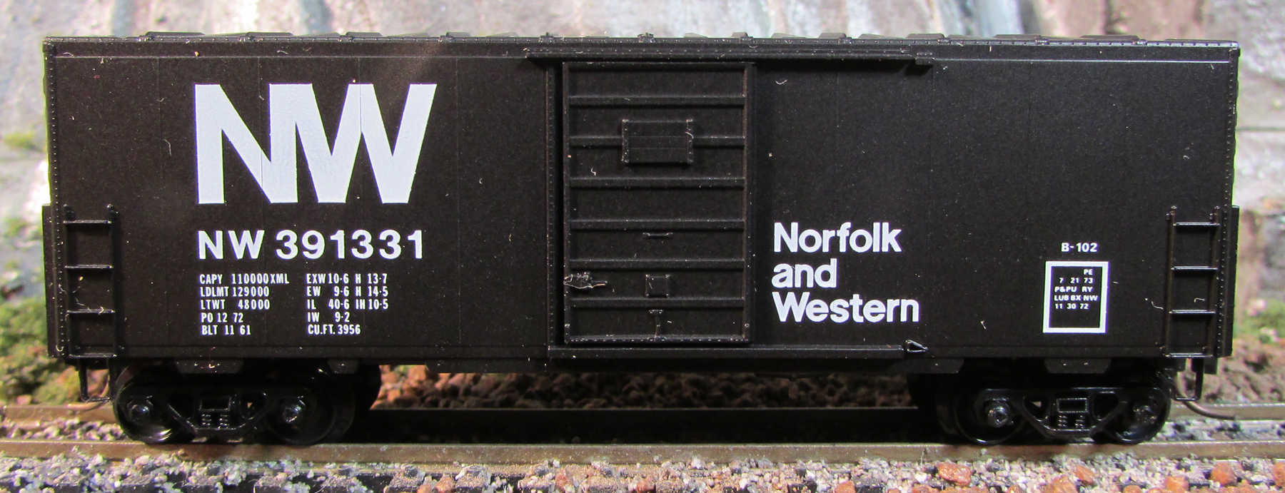N Scale - Micro-Trains - 24030 - Boxcar, 40 Foot, PS-1 - Norfolk & Western - 47500