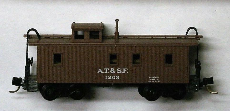 N Scale - Micro-Trains - 51100 - Caboose, Cupola, Wood - Santa Fe - 1203