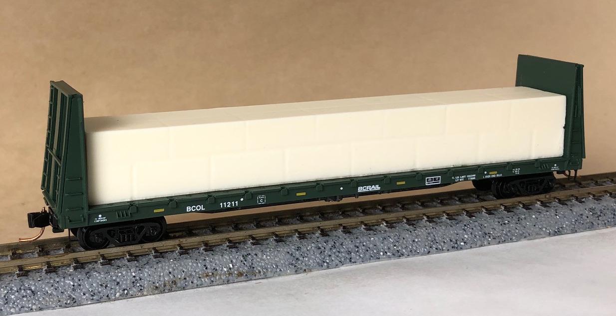 N Scale - Micro-Trains - 054 00 171 - Flatcar, Bulkhead - British Columbia - 11211