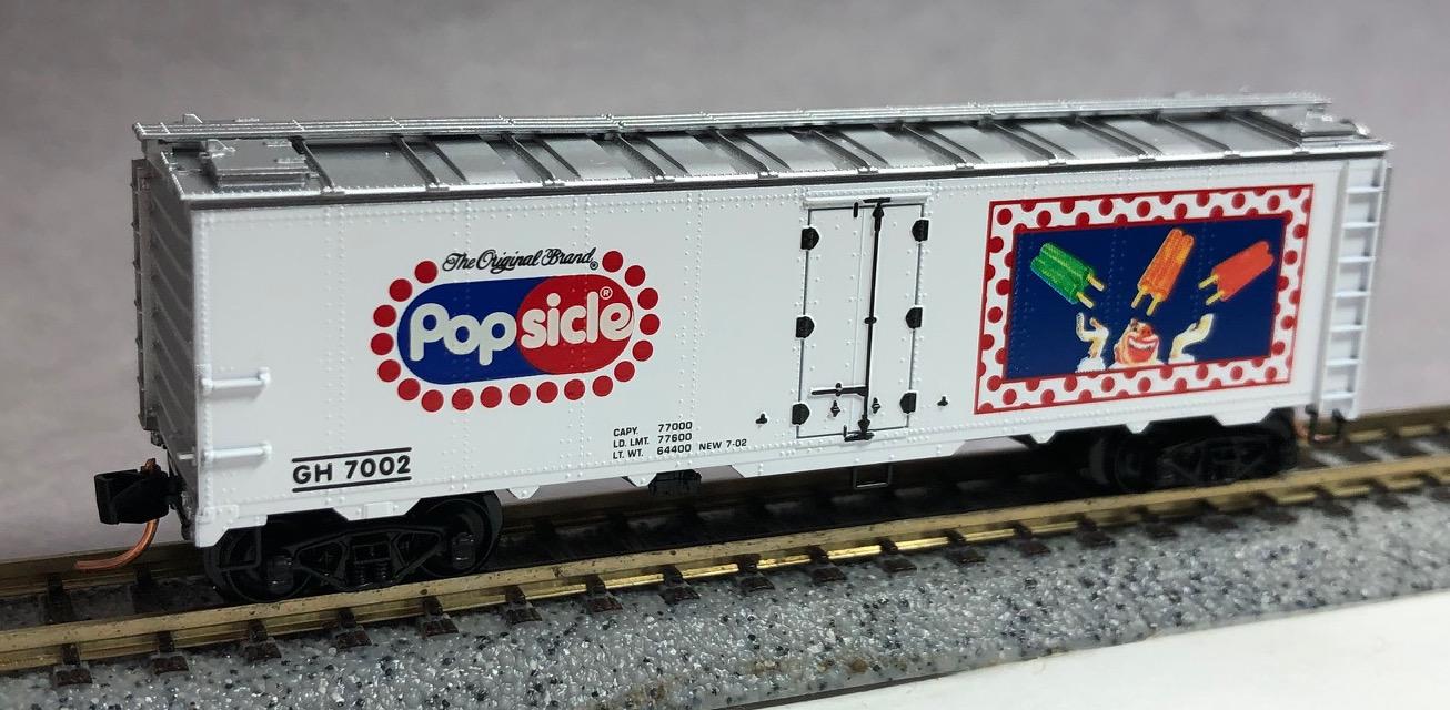 N Scale - Micro-Trains - 59080 - Reefer, Ice, Steel - Good Humor - 7002