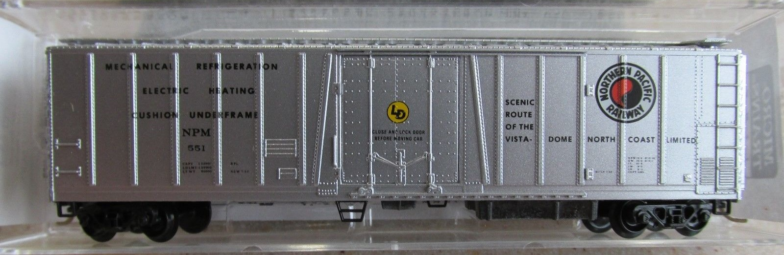 N Scale - Micro-Trains - 70050 - Reefer, 50 Foot, Mechanical - Northern Pacific - 551