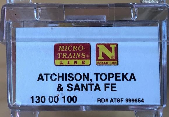 N Scale - Micro-Trains - 130 00 100 - Caboose, Bay Window - Santa Fe - 999654
