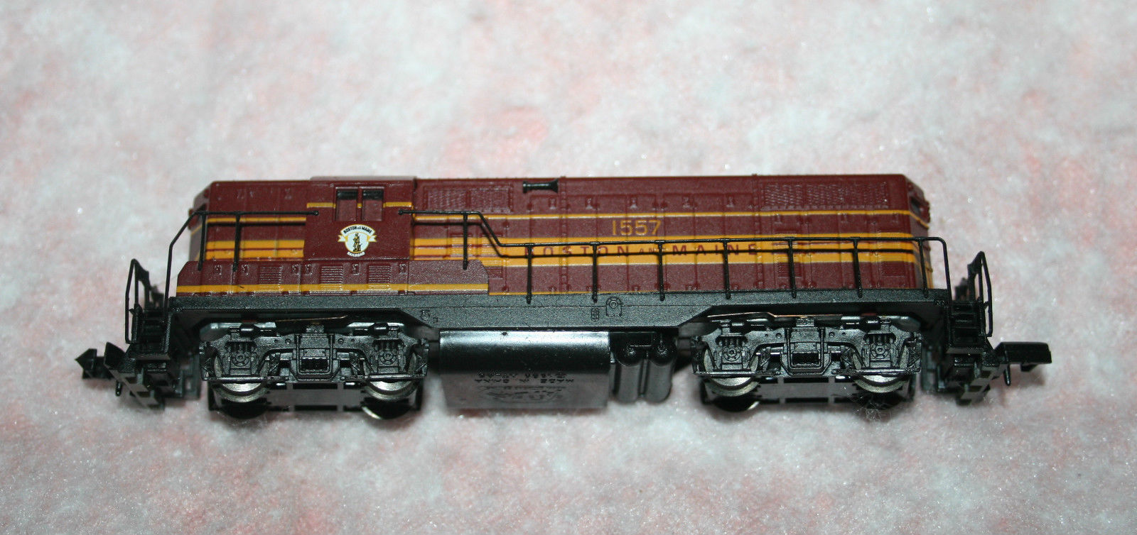 N Scale - Atlas - 48005 - Locomotive, Diesel, EMD GP7 - Boston & Maine - 1557