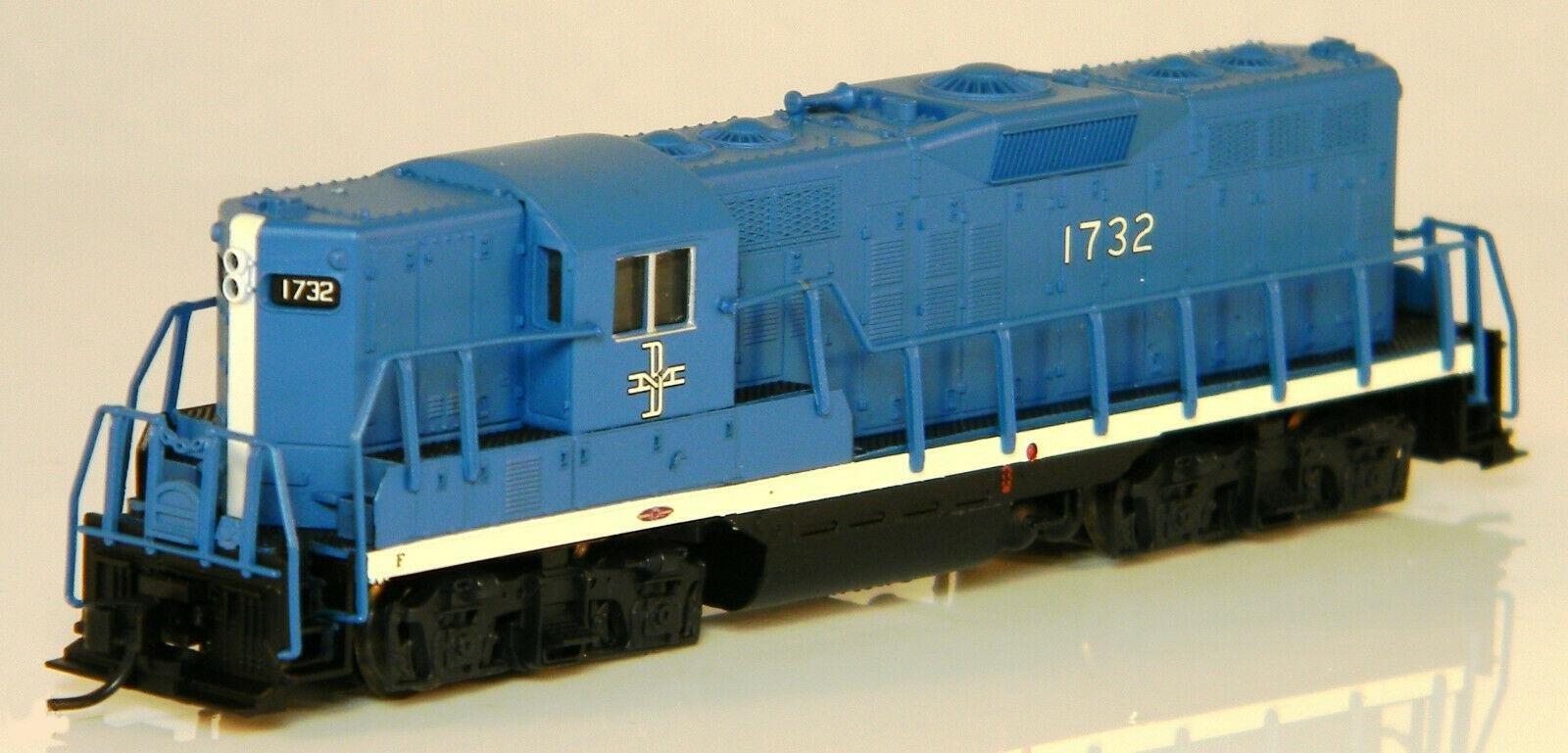 N Scale - Atlas - 40 000 427 - Locomotive, Diesel, EMD GP9 - Boston & Maine - 1732