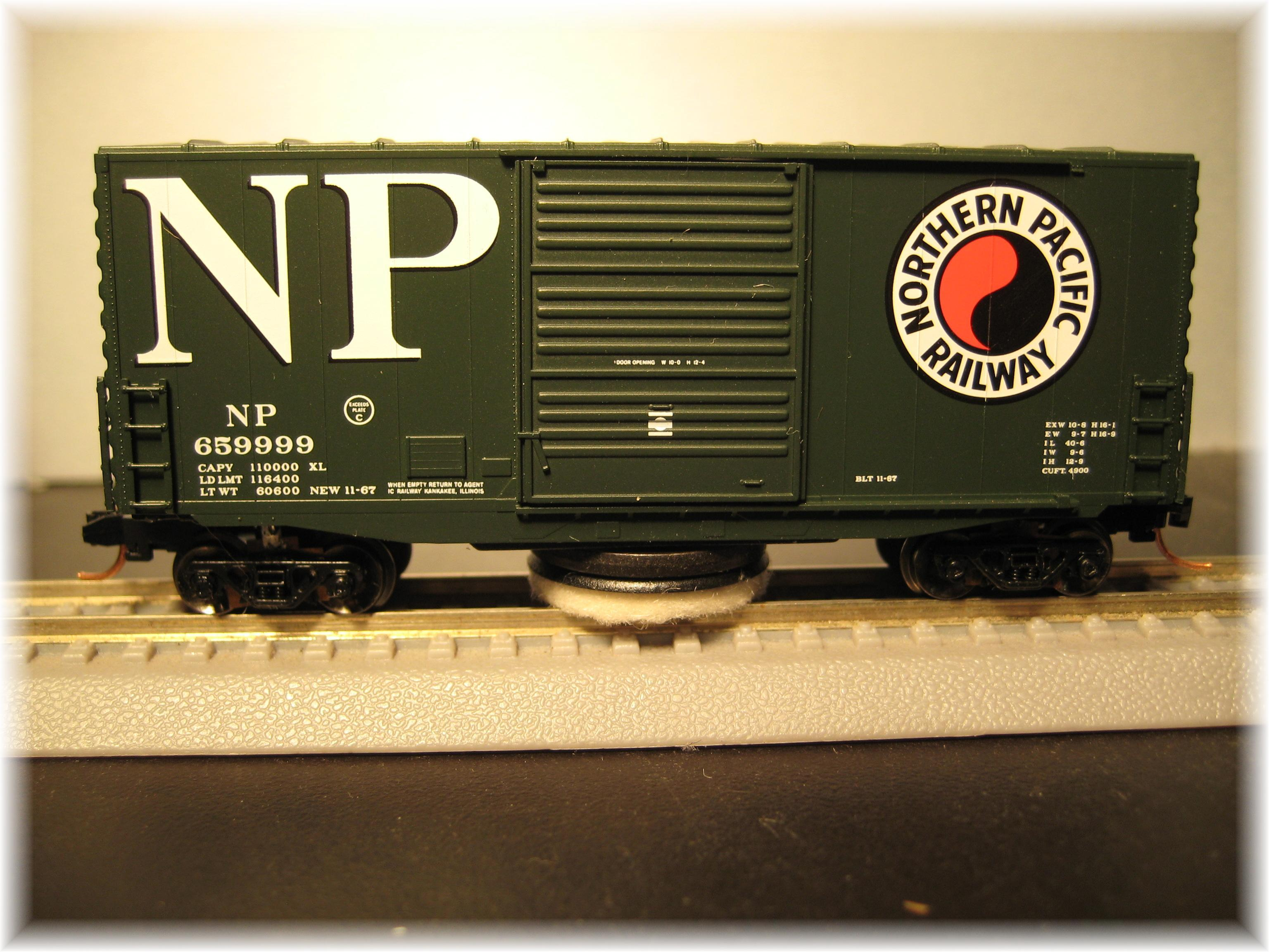N Scale - MNP - NTC-N006 - Boxcar, 40 Foot, Hi-Cube - Northern Pacific - 659995