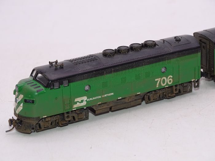 N Scale - Kato USA - 106-0301-PART - Locomotive, Diesel, EMD F3 - Burlington Northern - 706