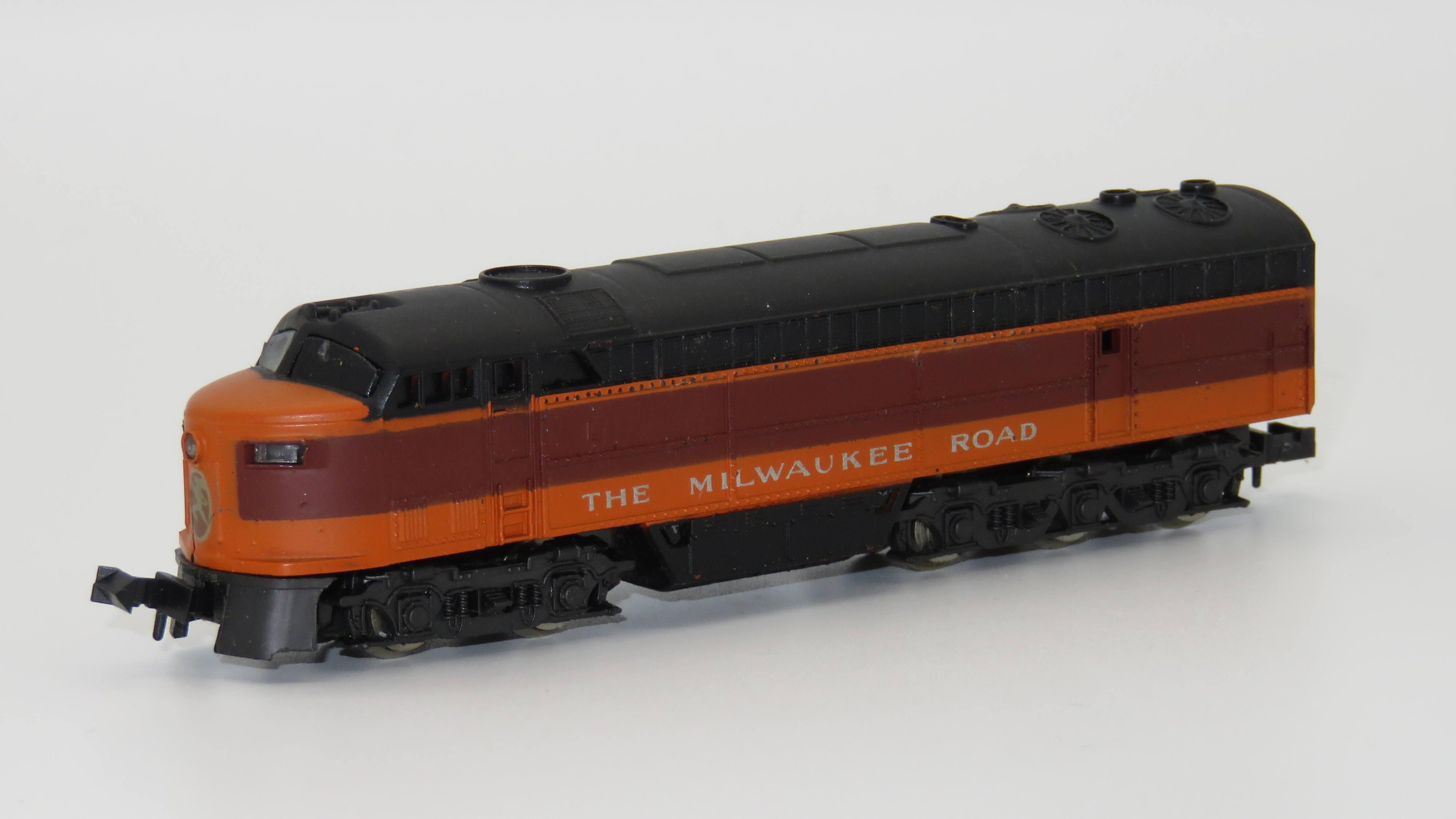 N Scale - Atlas - 2123 - Locomotive, Diesel, Fairbanks Morse, C-Liner - Milwaukee Road