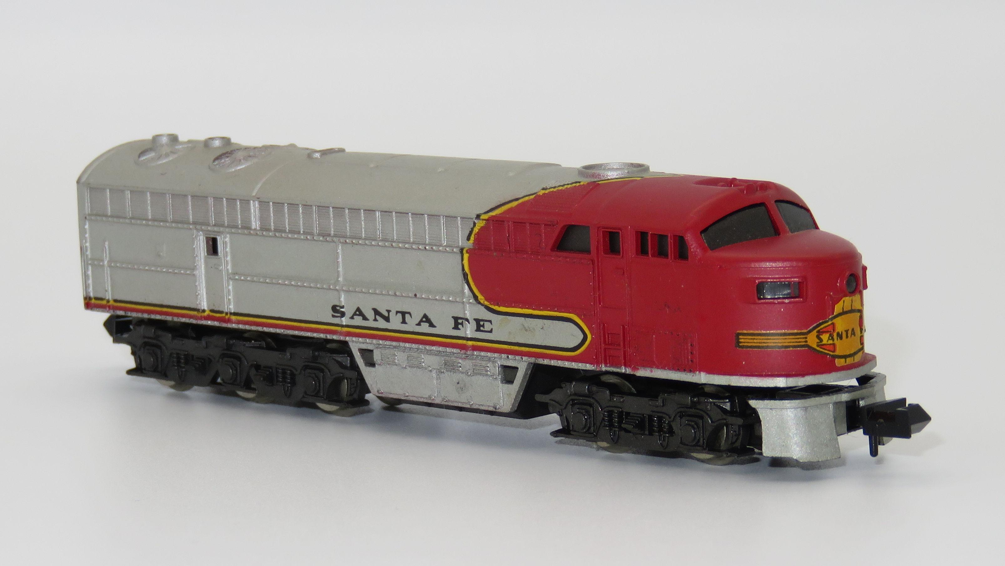 N Scale - Rivarossi - 9145 - Locomotive, Diesel, Fairbanks Morse, C-Liner - Santa Fe