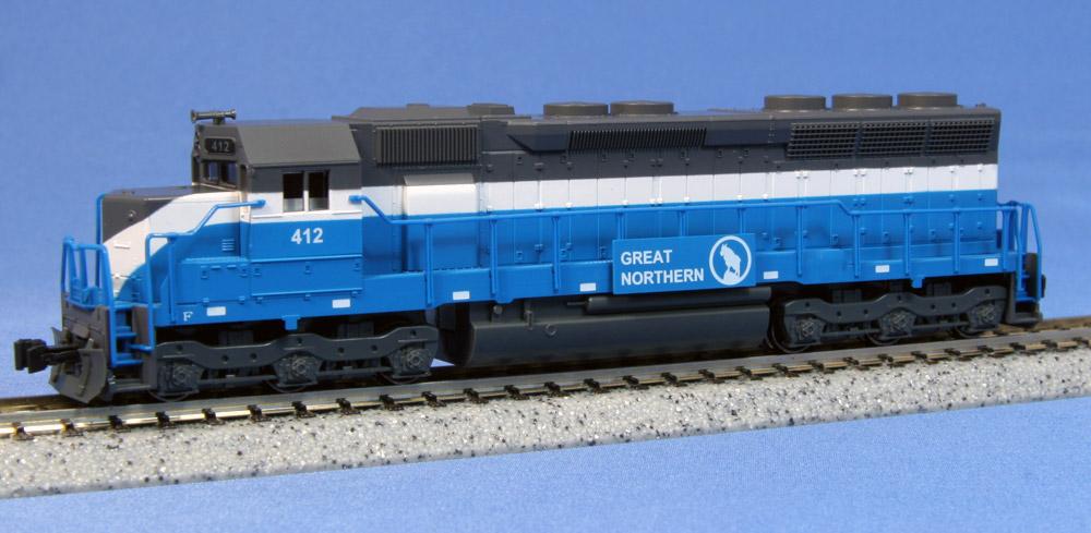 N Scale - Kato USA - 176-3125 - Locomotive, Diesel, EMD SD45 - Great Northern - 412