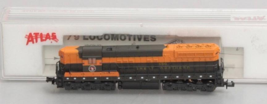 N Scale - Atlas - 4510 - Locomotive, Diesel, EMD SD7 - Great Northern - 550