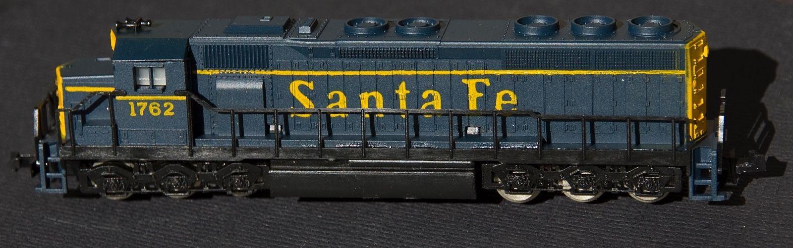 N Scale - Atlas - 2141 - Locomotive, Diesel, EMD SD45 - Santa Fe - 1762