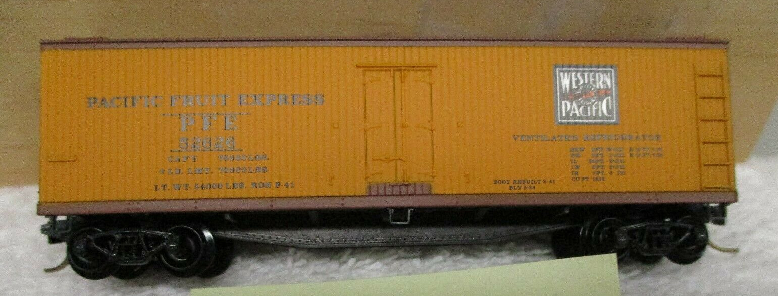 N Scale - Micro-Trains - 47290 - Reefer, Ice, Wood - Western Pacific - 52626