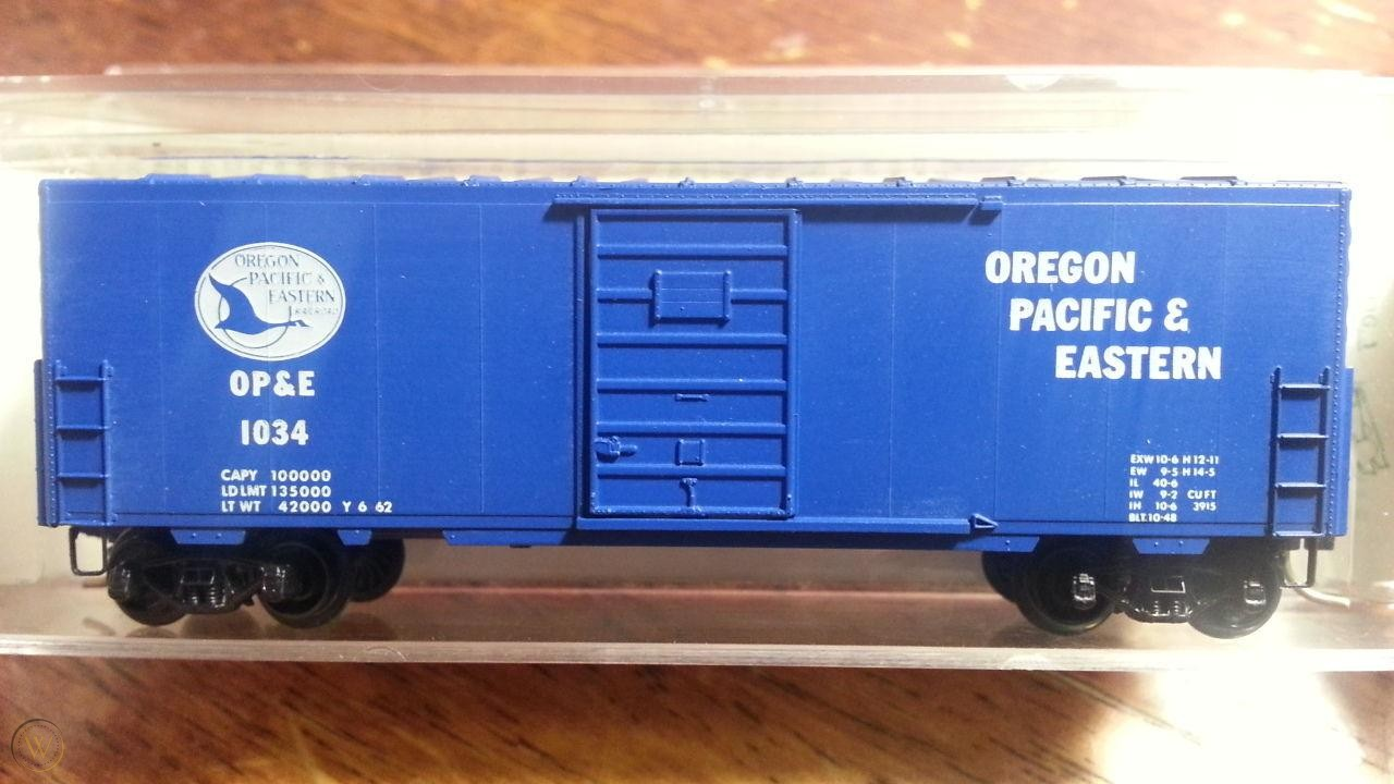 N Scale - Micro-Trains - 24384 - Boxcar, 40 Foot, PS-1 - Oregon Pacific & Eastern - 1033