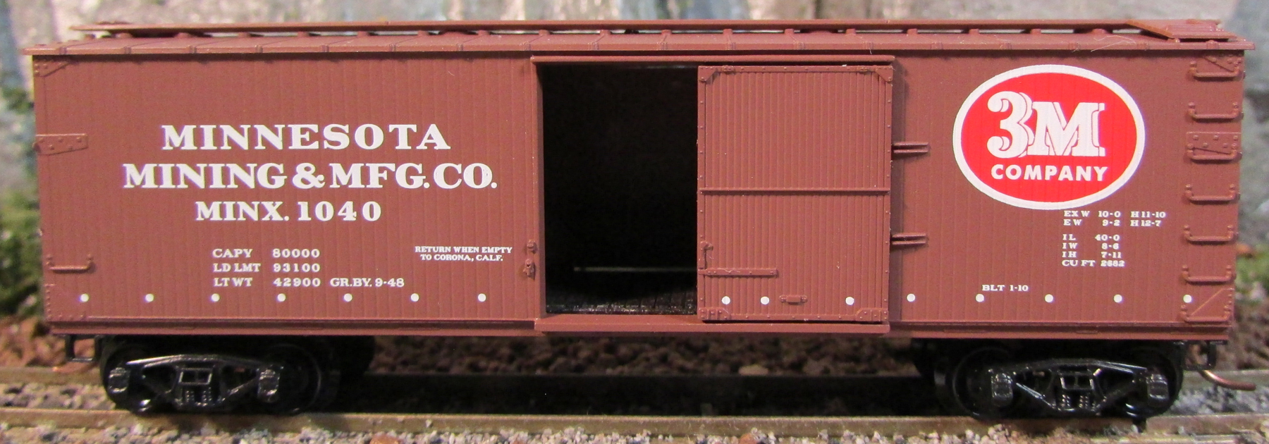 N Scale - Micro-Trains - 39190 - Boxcar, 40 Foot, Double Wood Sheathed - Minnesota Mining & Manufacturing - 1040