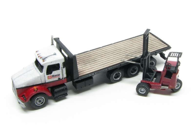 N Scale - Showcase Miniatures - 84 - Truck, Flatbed, KW, Tri-Axle