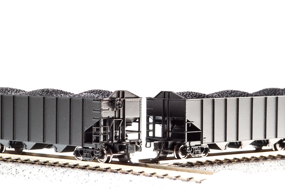 N Scale - Broadway Limited - BLI-3133 - Open Hopper, 3-Bay, H2A - Undecorated