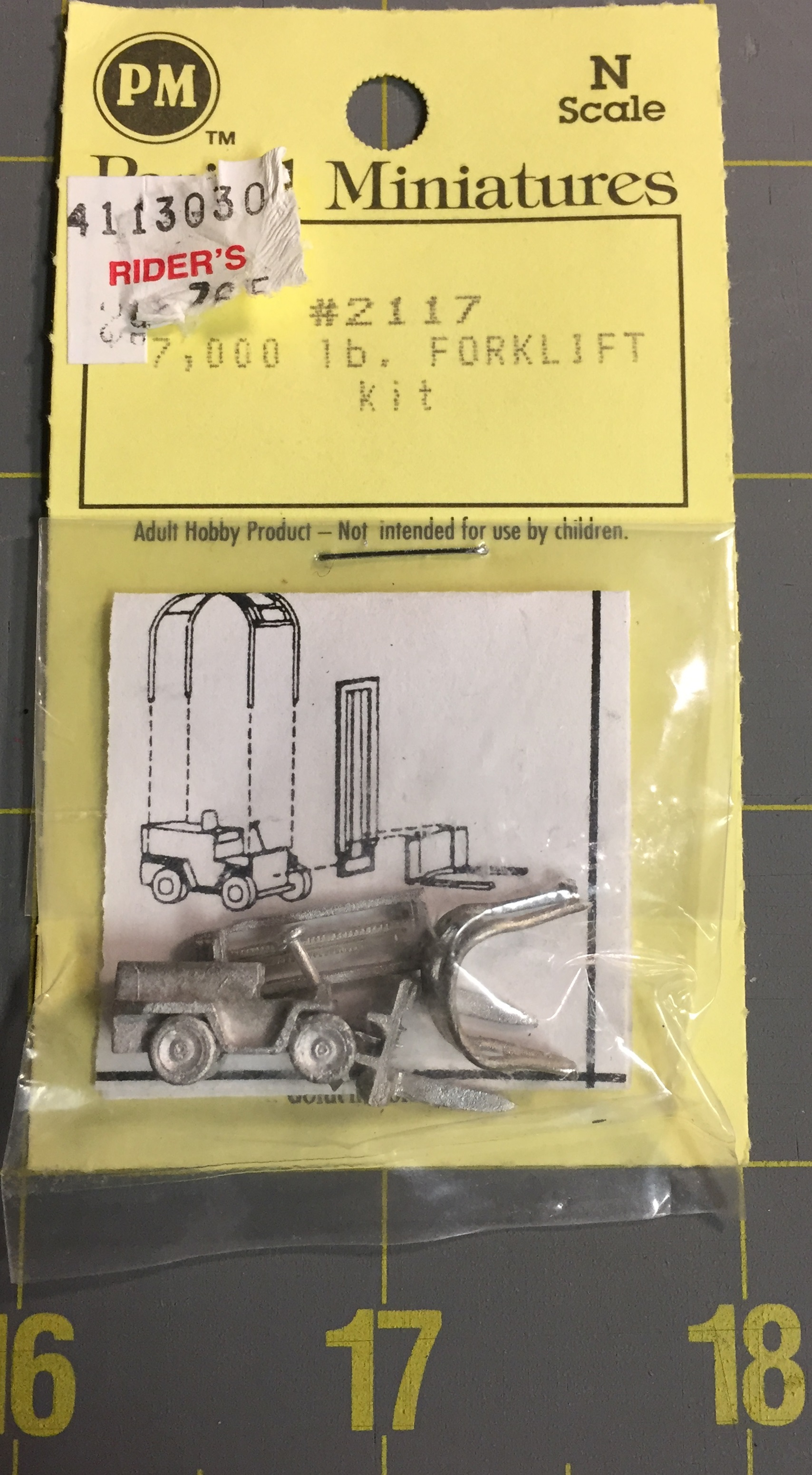 N Scale - Period Miniatures - 3001 - Truck, Forklift, Champ, 7.000 LB
