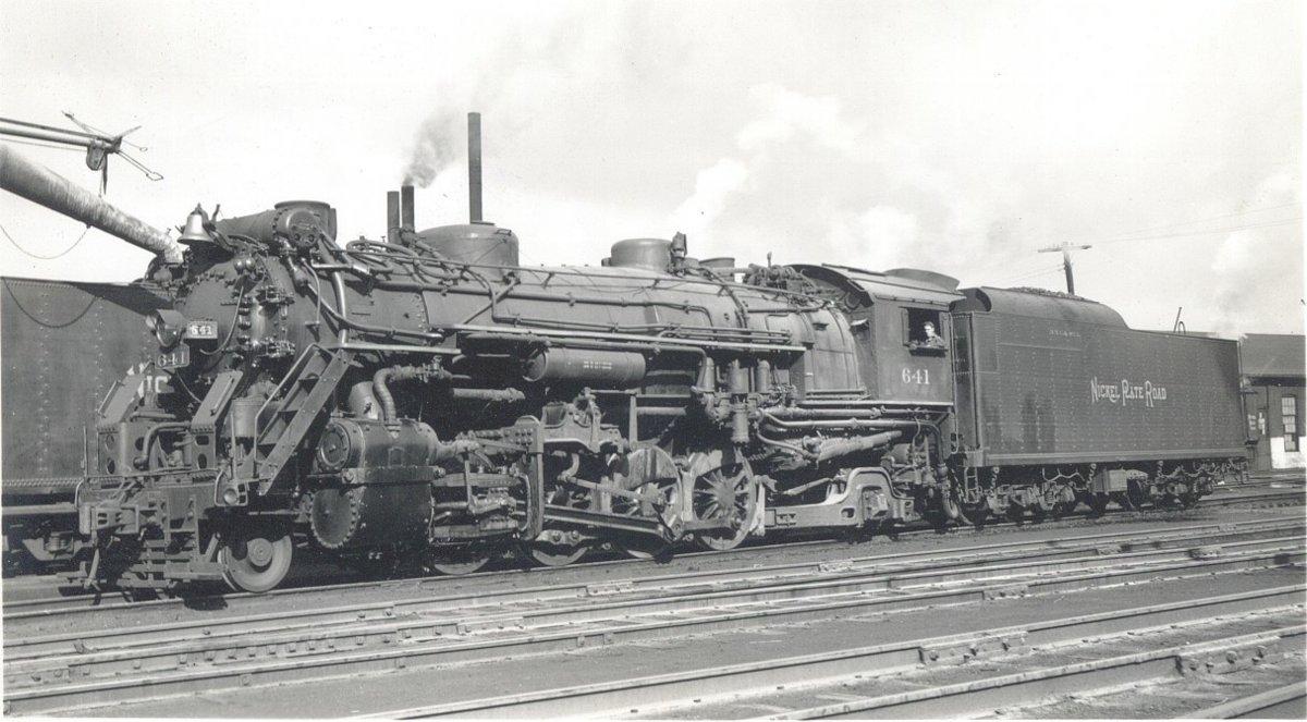 Rail - Locomotive - Steam - 2-8-2 Heavy Mikado