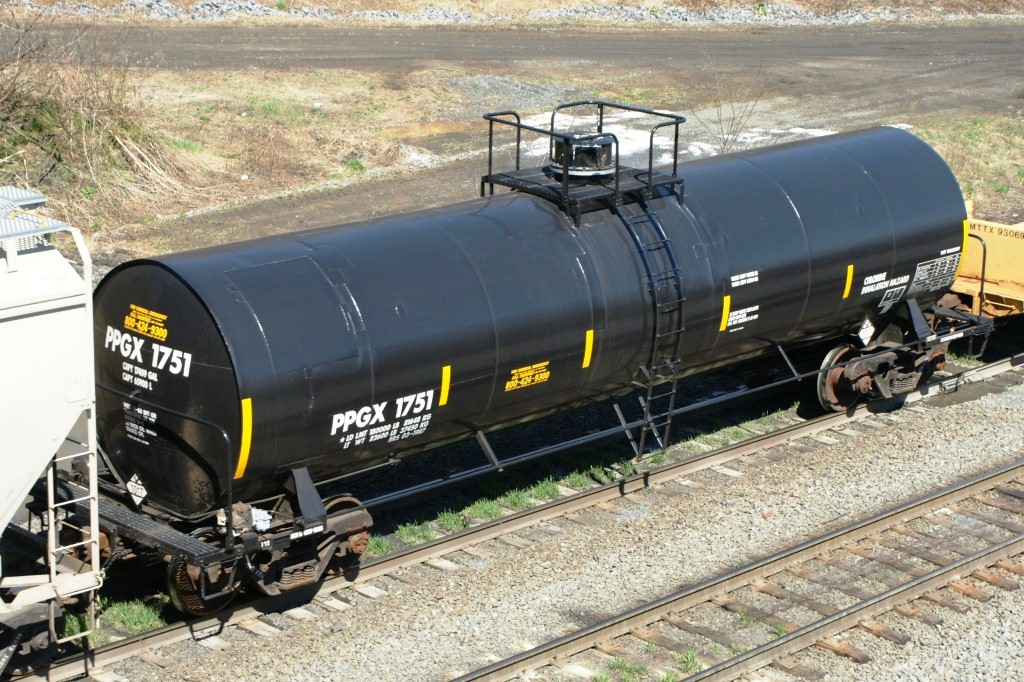 Vehicle - Rail - Rolling Stock (Freight) - Tank Car - ACF Single Dome, 17,360 Gallon