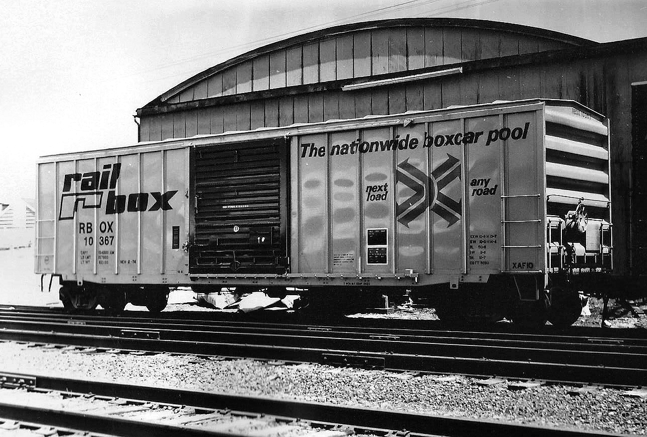 Rail - Rolling Stock (Freight) - Boxcar - FMC 5077