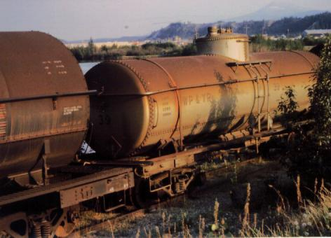 Rail - Rolling Stock (Freight) - Tank Car - Single Dome, 39 Foot