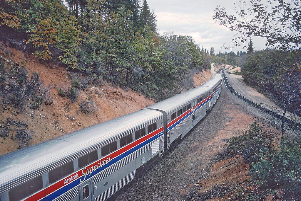 Rail - Passenger Car - Streamlined/Lightweight - Amtrak Superliner