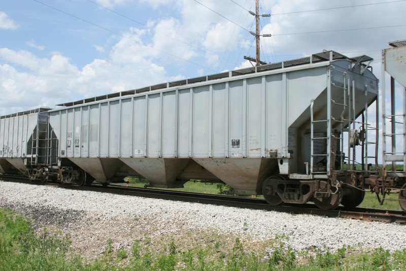 Rail - Rolling Stock (Freight) - Covered Hopper - 3-Bay PS2-CD 4750
