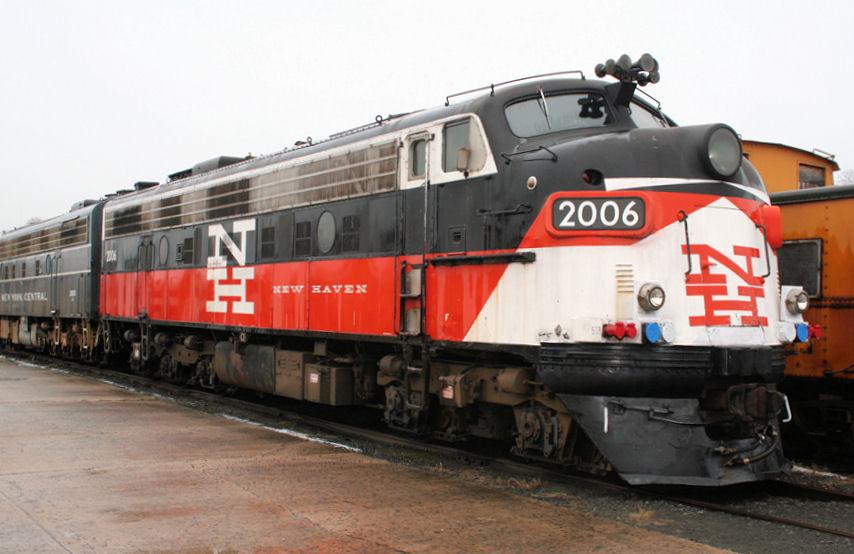 Vehicle - Rail - Locomotive - Diesel - EMD FL9